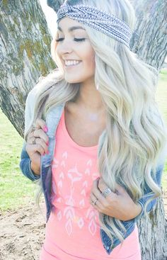 Show off your Fall fashion and rock it with a headband and long pre-curled extensions from Hair2wear