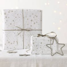 Star Wrapping Paper | The White Company #whitechristmaswishlist