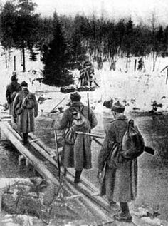 Soviet Infantry exceeds the limit River Karelian Isthmus on 30 November 1939.