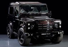 The 2015 Land Rover Defender 90 is one of those cars that you cannot explain as cute. The forthcoming 2015 Land Rover Defender is one of those cars that would most absolutely turn heads as you drive. Land Rover Defender 110, Defender 90, Landrover Defender, Automobile, Suv Cars, Jeep Cars, Rover Discovery, Luxury Suv, Land Rovers