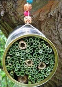 Een insectenhotel voor lieveheersbeestjes, bijen of vlinders maak je zelf!