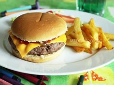 Food Network Recipes 251497960424660014 - Cheeseburger façon Mcdo® Source by veroniquescoe How To Cook Burgers, Beef Burgers, Grilled Cheese Hot Dog, Homemade Sandwich Bread, Homemade Cheeseburgers, Loose Meat Sandwiches, Cheeseburger Recipe, Ground Beef Casserole, Food Goals
