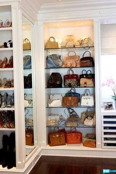 Fantastic Bags Closet Ideas For Women Handbag Storage Best Way To Organize Purses Purse Storage Ideas For for Fantastic Bags Closet Ideas For Women Organiser Son Dressing, Foster House, Handbag Storage, Dream Closets, Open Closets, Closet Bedroom, Master Closet, Closet Mirror, Bedroom Size