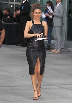 María Menounos in a sexy Neckholder Leather Dress Fall Fashion Outfits, Grey Fashion, Leather Fashion, Autumn Fashion, Womens Fashion, Leather Outfits, Black Faux Leather Dress, Black Leather Pencil Skirt, Sexy Legs And Heels