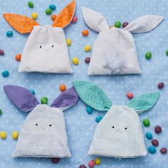 Tutorial: Bunny Treat Bags with Free Pattern  These are darling!