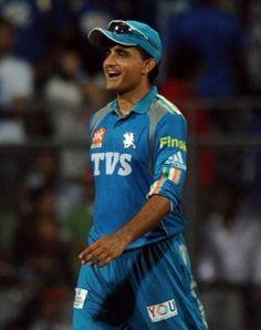 Sourav Gangully leading Pune Warriors India towards the victory against Mumbai Indians