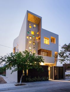 2H House by Truong An Architecture and 23°5 Studio // Ho Chi Minh City, Vietnam