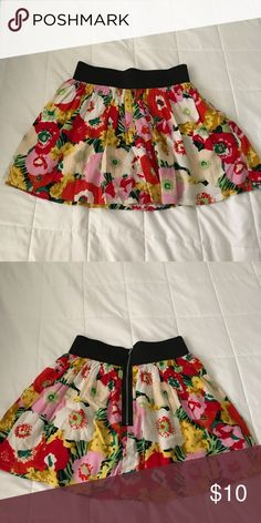 vibrant patterned skirt super cute and comfortable. great condition. Skirts Circle & Skater
