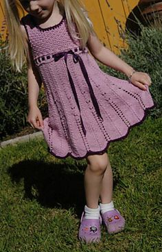 elenka-crochet-dress-girl  What a gorgeous dress. I'd love to be able to do something like this.   Pattern is here:http://www.ravelry.com/patterns/library/elenka