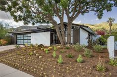 Built in 1963 by architect John Andre Gougeon, this two-bedroom, three-bath property in Glendora, California, embodies the trajectory of postwar architecture in the East San Gabriel Valley.