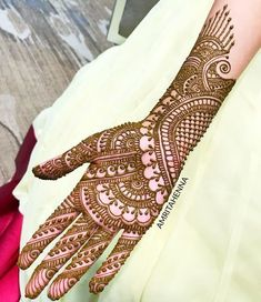 Here's the full picture of my yesterday's story. I got so so many message requests to post it. Thankyou so much for an overwhelming… Henna Hand Designs, Dulhan Mehndi Designs, Mehandi Designs, Mehndi Designs Finger, Indian Henna Designs, Full Hand Mehndi Designs, Mehndi Designs 2018, Mehndi Designs For Beginners, Mehndi Designs For Girls