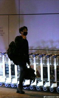 Jungkook @ Heading to Hong Kong International Airport Foto Jungkook, Foto Bts, Jungkook Jeon, Jungkook Cute, Bts Bangtan Boy, Taehyung, Jung Kook, Kpop, Jin