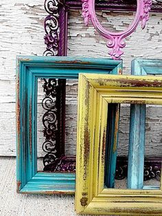 30 Beautiful Painted Vintage Picture FramesYou can find Vintage frames and more on our Beautiful Painted Vintage Picture Frames Empty Picture Frames, Distressed Picture Frames, Painted Picture Frames, Empty Frames, Old Frames, Frames On Wall, Picture Wall, Frames Ideas, Vintage Frames