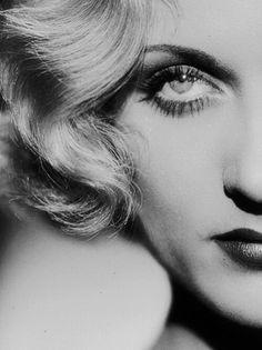 "velvetgrotesque: "" Carole Lombard photographed by John Kobal, 1933 """