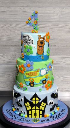 Fun birthday cake for a little girl who loves Scooby Doo! All decor was edible! Gâteau Scooby Doo, Torta Scooby Doo, Scooby Doo Birthday Cake, Funny Birthday Cakes, Cookie Cake Birthday, Adult Birthday Cakes, Birthday Cake Decorating, Birthday Cake Disney, Birthday Cakes For Boys
