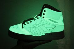 35abfa7d3e02 Adidas - Jeremy Scott - Glow in the Dark Wings