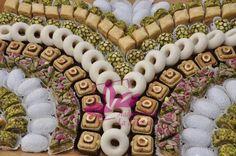 salé tunisien+mariage - Recherche Google Dream Wedding, Wedding Day, Burlap Wreath, Presentation, Recherche Google, Traditional, Holiday Decor, Frame, Delish