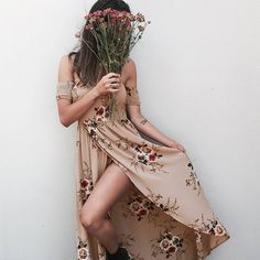 Off the Shoulder Boho Maxi Floral Print Chiffon Dress. Trendy Off the Shoulder Neckline with Gathered Stretch Top and Arms. Floral Print and Maxi Style is Roman Vestido Strapless, Vestido Maxi Floral, Dress Vestidos, Floral Print Maxi Dress, Boho Dress, Print Chiffon, Bohemian Dresses, Bohemian Style, Floral Sundress