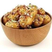 Rostad småpotatis i ugn med gräslök och honung - Recept - Tasteline.com Tasty, Yummy Food, Swedish Recipes, Recipe For Mom, Sweet And Salty, Food Inspiration, Food Porn, Food And Drink, Vegetarian