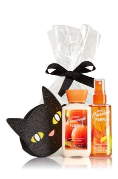 Sweet Cinnamon Pumpkin - Halloween Cat Gift Set - Bath & Body Works - The purrfect way to say Happy Halloween! A cute cat coin purse comes wrapped and ready to give with convenient travel sizes of our super-hydrating Body Lotion and skin-loving Fine Fragrance Mist (3 fl oz each).