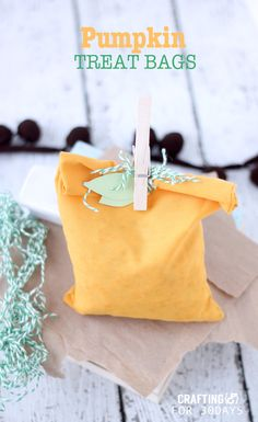 Adorable pumpkin treat bags- easy DIY from craftinge