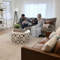 Living Room Goals, Living Room Decor, Family Goals, Couch, Furniture, Home Decor, Drawing Room Decoration, Settee, Decoration Home