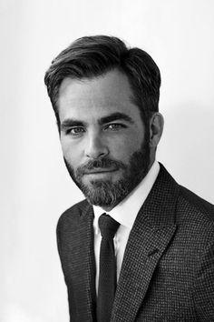Chris Pine rockin' that beard Office Hairstyles, Classy Hairstyles, Short Hairstyles, Hot Men, Hot Guys, Hair And Beard Styles, Hair Styles, Beard Humor, Style Masculin