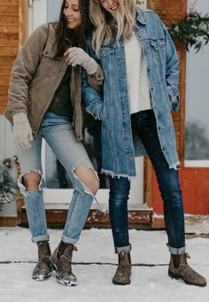 Women's Dress Chelsea Boot, Rustic Brown, - cheechare. Chelsea Boots With Jeans, Brown Chelsea Boots Outfit, Jeans And Boots, Ripped Jeans, Winter Dresses With Boots, Dress With Boots, Outfit Jeans, Blundstone Boots Women, Rustic Outfits