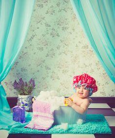 bathroom baby girl photography estudio oleiros santa cruz coruña escena de baño vintage bebé