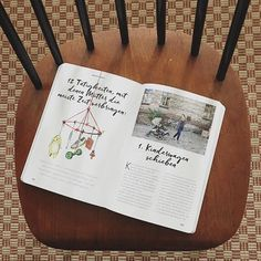 Heute angekommen: Der super schöne #mamastyleguide von @herz.und.blut & @janinedudenhoeffer im @knesebeck_verlag mit ner Doppelseite Friedrich schlafend & ich Kinderwagen voll gepackt wie immer schiebend ❤️ wir freuen uns schon auf den Book Launch liebe Ladys #kindschläftmamaschiebt