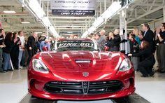 2013 SRT Viper Production Begins, First Car Auctioned for Charity