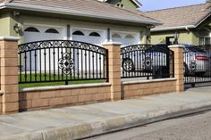 Inspiring Wooden fence design ideas,Modern fence gate design and Privacy fence pickets. Brick Fence, Concrete Fence, Front Yard Fence, Fenced In Yard, Gabion Fence, Low Fence, Easy Fence, Bamboo Fence, Cedar Fence