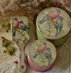 Vanity set with pretty birds.   I wonder if is decoupaged.  Look vintage and certainly are beautiful.