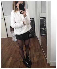 Tendance Chaussures 2017 Pull doudou et jupe en cuir Knit (from Skirt Skirt Outfits, Winter Outfits, Casual Outfits, Look Fashion, Winter Fashion, Fashion Boots, Susanna Boots, Club Outfits Clubwear, Givenchy Boots