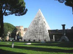 Piramide Cestia a #Roma  #travel #viaggi