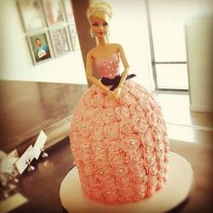 had barbie cake for my birthdays as a a kid  I had a lot but one I particularly remember was my barbie Pegasus one
