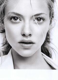 Amanda Seyfried. Beautiful eyes.