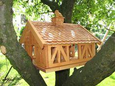 die besten 25 vogelfutterhaus selber bauen ideen auf pinterest selbst bauen vogelhaus. Black Bedroom Furniture Sets. Home Design Ideas
