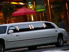 A Toronto Limo company serving GTA and all surrounding areas. We provide Airport limo services including most popular Pearson airport •    Church Trips •    Sporting Events •    Anniversaries •    Party Bus (All night party) •    Graduation •    Wedding limo service •    Prom limos •    And More...