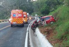 Um grave acidente foi registrado por volta das 06h50 desta segunda-feira, dia 09, na SC 283, entre Planalto Alegre e Águas de Chapecó na altura de Linha Gavião. Samu e Corpo de Bombeiros de São