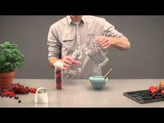 Bopp Fruit infuser bottle. Bestellen? Klik dan hier: https://www.beglobal.nl/relatiegeschenk/p436143-xd-design-bopp-waterfles-met-infuser.html