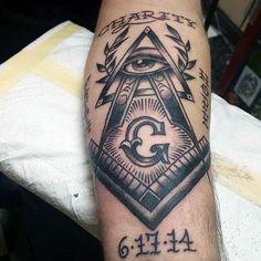 Cool Masonic Themed Traditional Mens Arm Tattoo Design Ideas - New Tattoo Trend Best Mens Arm Tattoos, Cool Arm Tattoos, Cool Tattoos For Guys, New Tattoos, Small Tattoos, Sleeve Tattoos, Freemason Tattoo, Masonic Tattoos, Dream Catchers