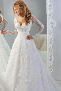 Flowers Long Sleeves Princess Diamond Chapel Train Wedding Gown
