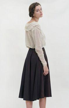 Classic Novels Skirt | Vintage 1940s Skirt