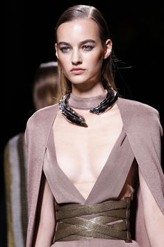 See detail photos for Balmain Spring 2017 Ready-to-Wear collection.