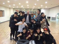 EXO and choreographer Tony Testa ~ Hunhan, Exo Ot12, Exo Chanyeol, Exo K, Kyungsoo, Exo News, Crying Meme, A Moment To Remember, Photo Editing Vsco