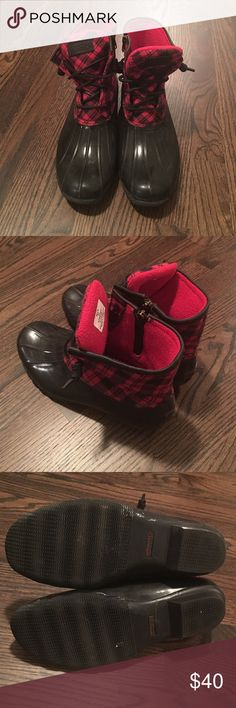 Sperry rubber boots Rarely worn. Great condition. Extremely comfortable! Sperry Shoes Winter & Rain Boots