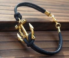 Le bracelet cuir homme, accessoire en vogue