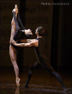 Beatrice Knop and Artem Shpilevsky, Staatsballett Berlin, Photo (c) Enrico Nawrath