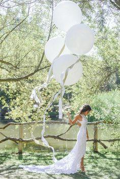фотозона, весна, декор свадьбы, свадьба на улице, зелень, стена, геометрия, рустик стиль, эко стиль, бохо стиль, модерн стиль, цветы,шары